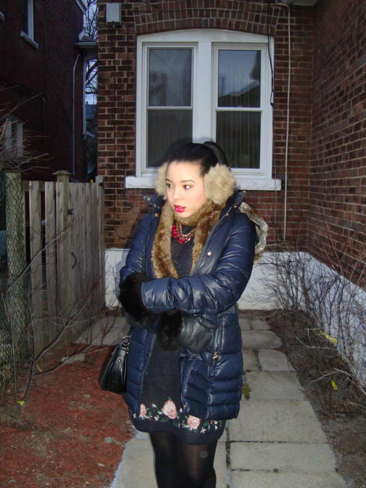 Style-with-Amanda-The-Bay-Parka-Faux-Fur-Vest-Bloomingdales-Necklace-Club-Monaco-Sweaterdress-Hunter-Boots-4