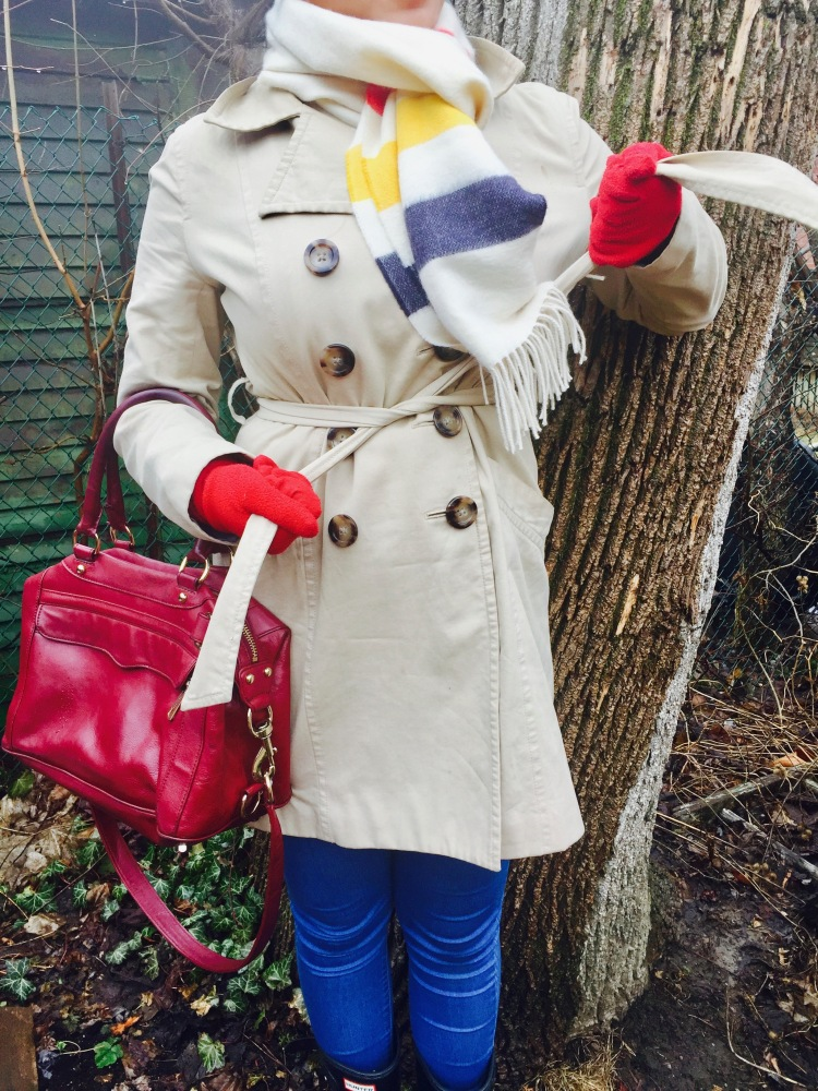 Style-with-Amanda-Joe-Fresh-Trench-Coat-Hudson-Bay-Scarf-Hunter-Boots-Rebecca-Minkoff-Purse-14