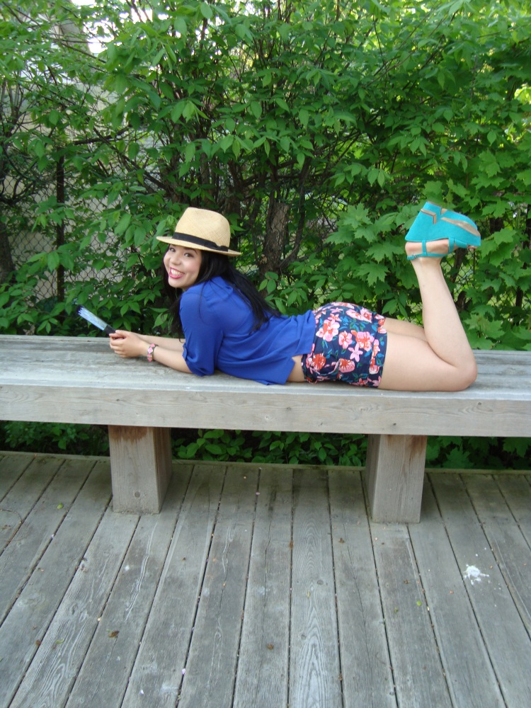 Style-with-Amanda-Joe-Fresh-Cobalt-Blouse-Floral-Shorts-Straw-Fedora-17