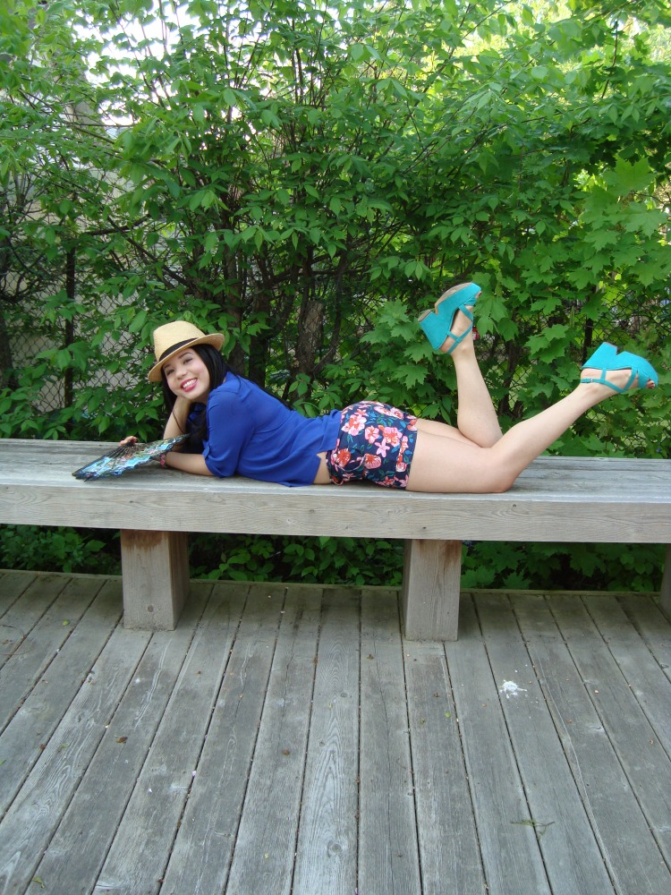 Style-with-Amanda-Joe-Fresh-Cobalt-Blouse-Floral-Shorts-Straw-Fedora-18