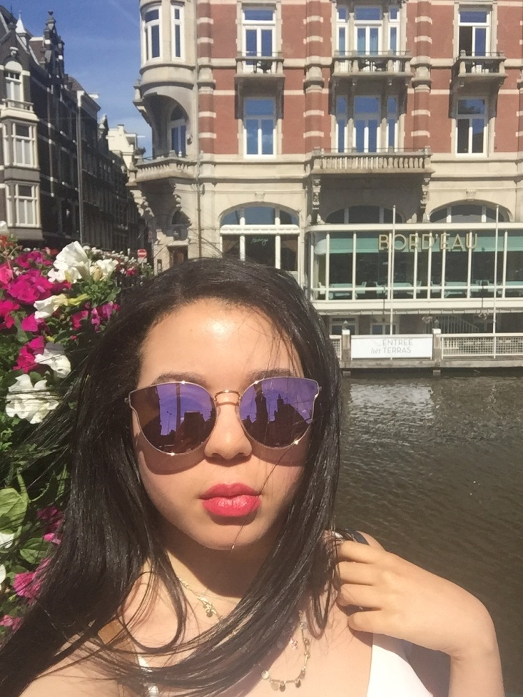 Style-with-Amanda-Dynamite-Rose-Sunglasses-Hotel-de-l-Europe-1