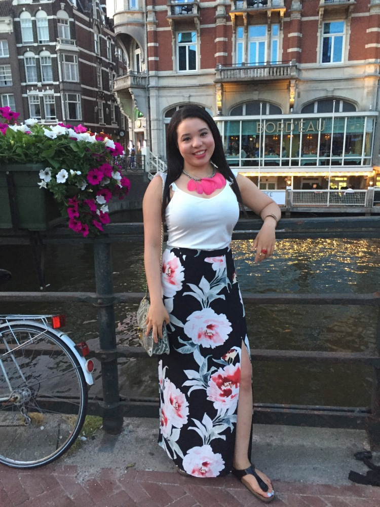 Style-with-Amanda-Dynamite-White-Ruffle-Shirt-Floral-Maxi-Skirt-With-Slit-Amsterdam-Vacation-20