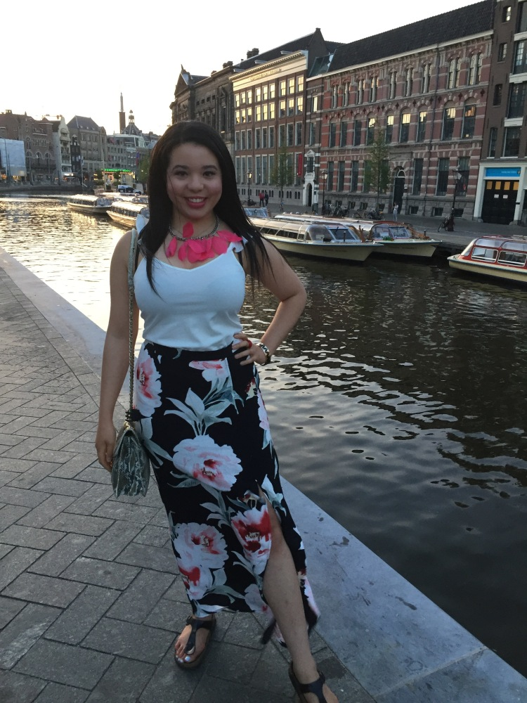 Style-with-Amanda-Dynamite-White-Ruffle-Shirt-Floral-Maxi-Skirt-With-Slit-Amsterdam-Vacation-26