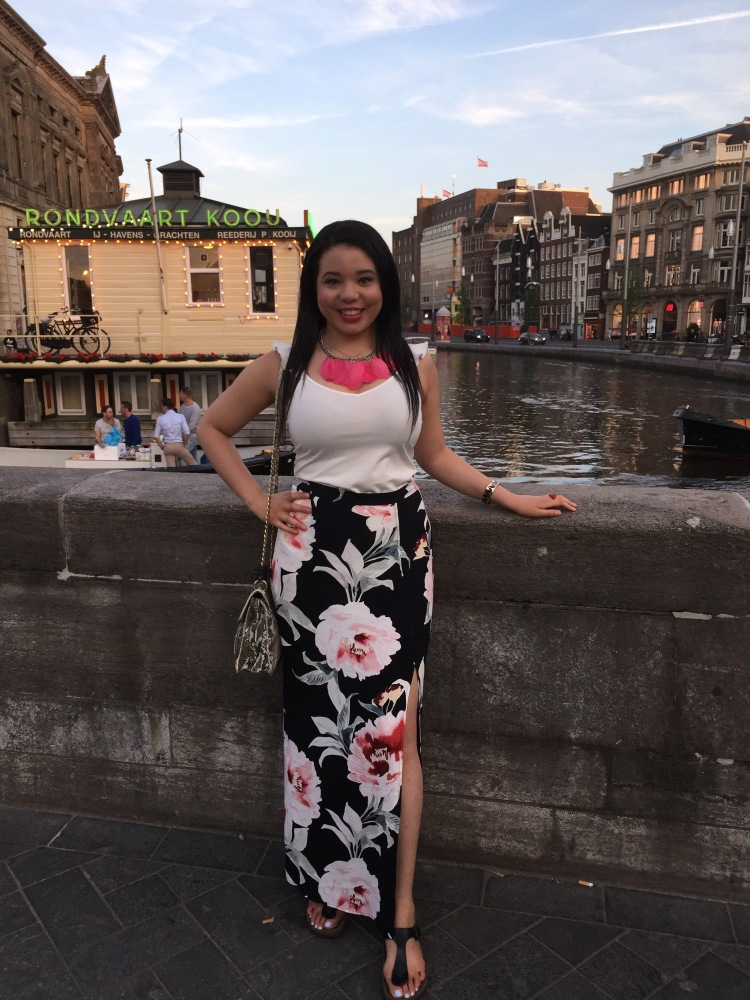 Style-with-Amanda-Dynamite-White-Ruffle-Shirt-Floral-Maxi-Skirt-With-Slit-Amsterdam-Vacation-28