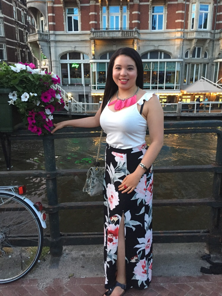 Style-with-Amanda-Dynamite-White-Ruffle-Shirt-Floral-Maxi-Skirt-With-Slit-Amsterdam-Vacation-3