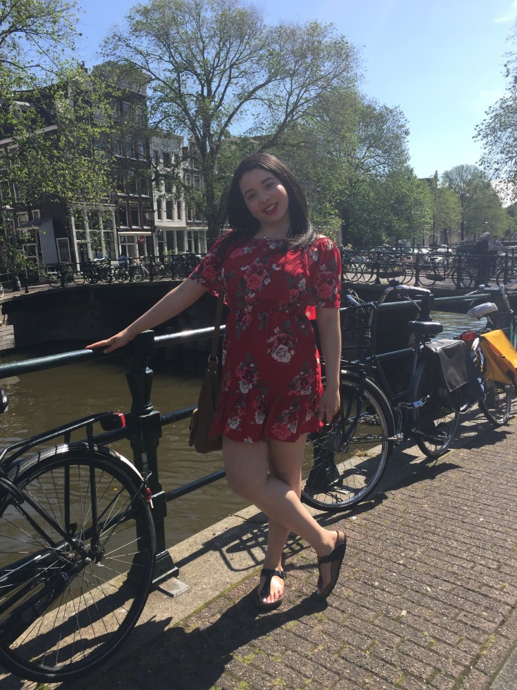 Style-with-Amanda-Red-Floral-Off-the-Shoulder-Dress-Dynamite-Black-Birkenstocks-Amsterdam-Vacation-17