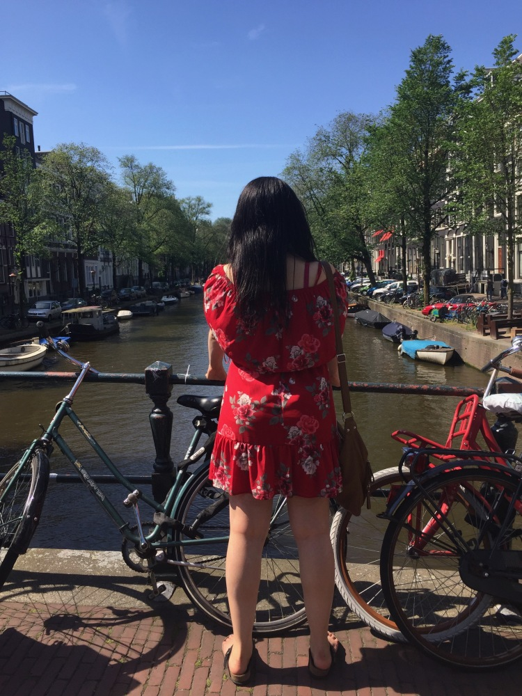 Style-with-Amanda-Red-Floral-Off-the-Shoulder-Dress-Dynamite-Black-Birkenstocks-Amsterdam-Vacation-22