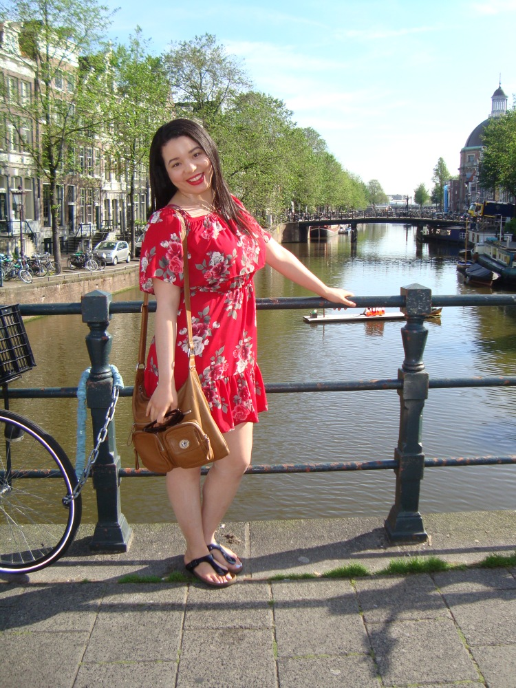 Style-with-Amanda-Red-Floral-Off-the-Shoulder-Dress-Dynamite-Black-Birkenstocks-Amsterdam-Vacation-35