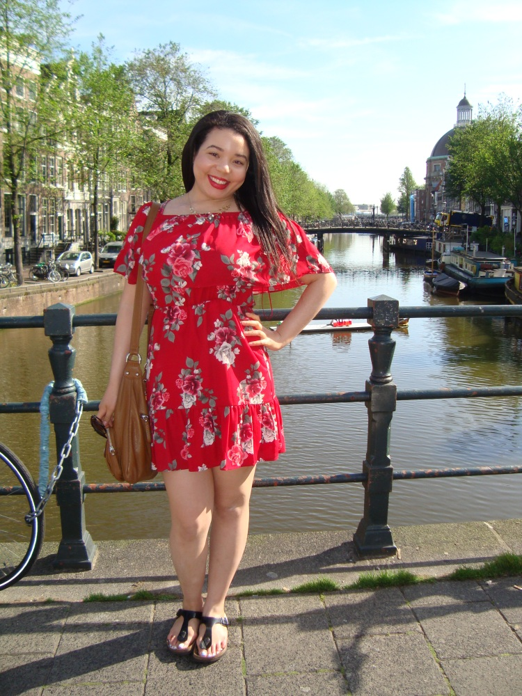 Style-with-Amanda-Red-Floral-Off-the-Shoulder-Dress-Dynamite-Black-Birkenstocks-Amsterdam-Vacation-36