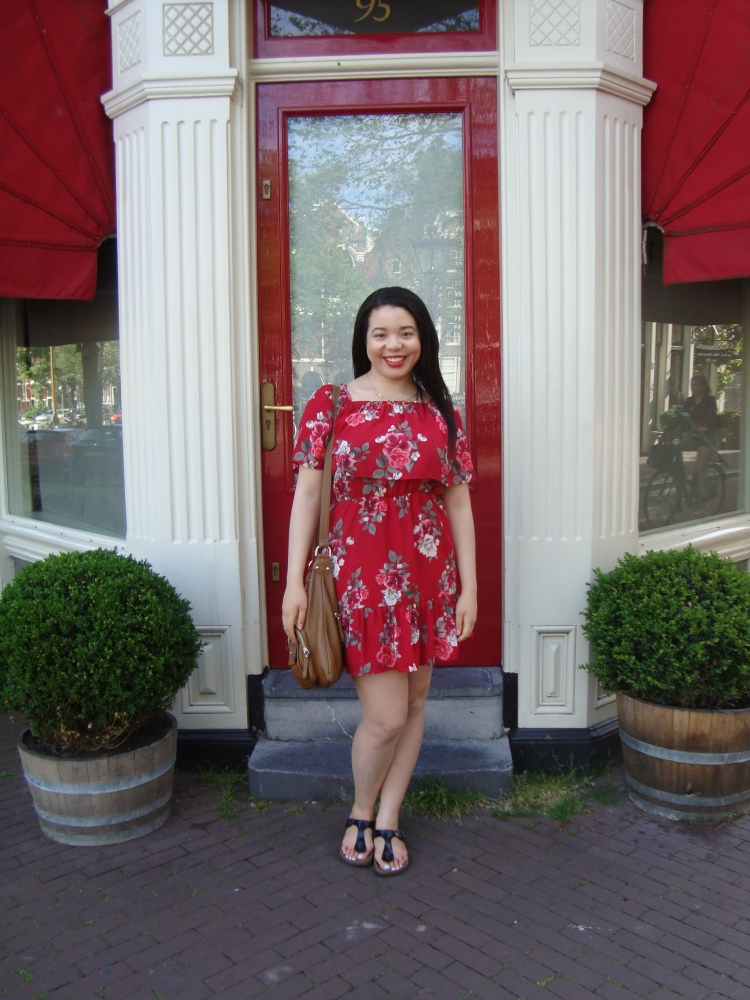 Style-with-Amanda-Red-Floral-Off-the-Shoulder-Dress-Dynamite-Black-Birkenstocks-Amsterdam-Vacation-43