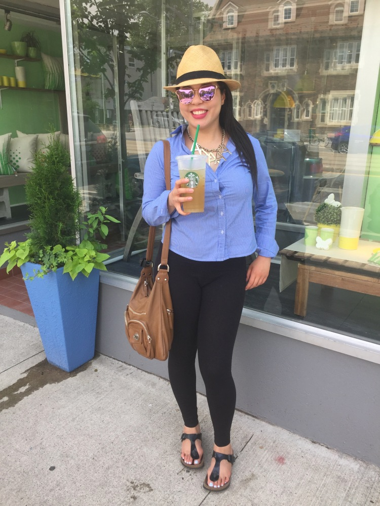 Style-with-Amanda-Straw-Fedora-Black-Leggings-Starbucks-Canada-18