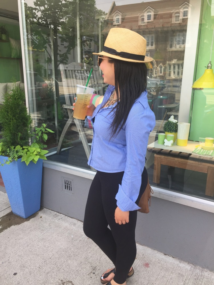 Style-with-Amanda-Straw-Fedora-Black-Leggings-Starbucks-Canada-23