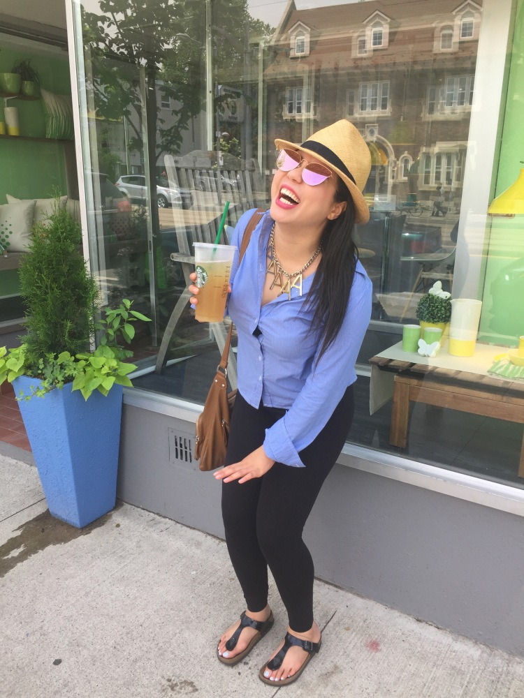 Style-with-Amanda-Straw-Fedora-Black-Leggings-Starbucks-Canada-24