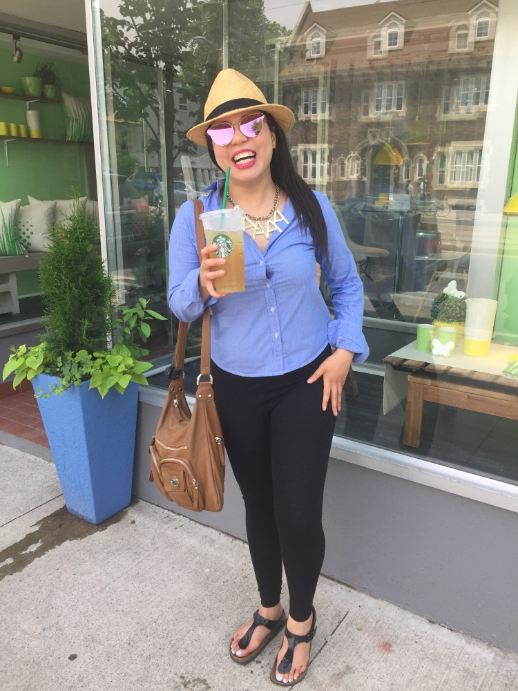 Style-with-Amanda-Straw-Fedora-Black-Leggings-Starbucks-Canada-25