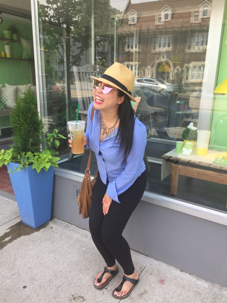 Style-with-Amanda-Straw-Fedora-Black-Leggings-Starbucks-Canada-26