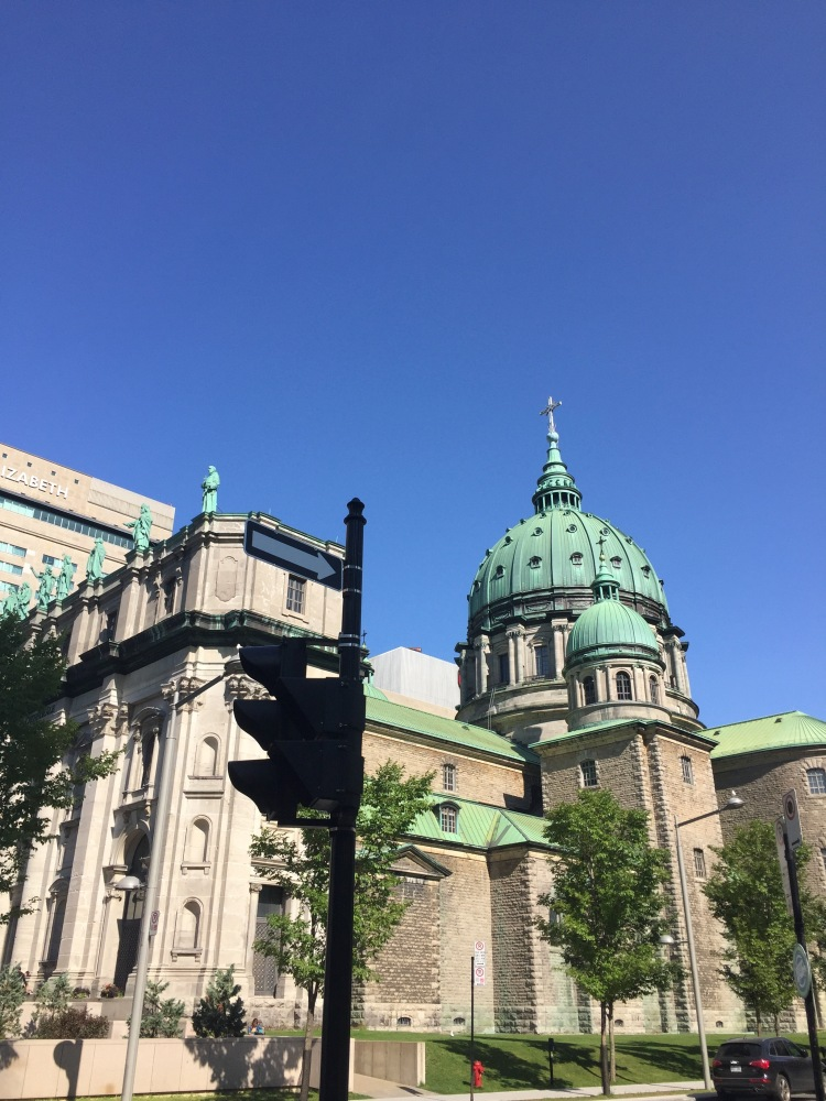 Montreal-Vacation-Travel-Style-with-Amanda-1