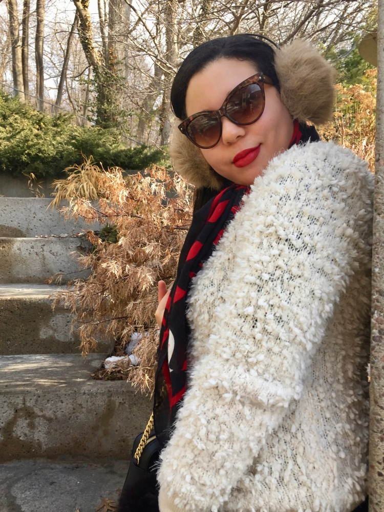 Style-with-Amanda-Forever-21-Teddy-White-Coat-Red-Lip-Print-Moschino-Scarf-Cat-Sunglasses-1