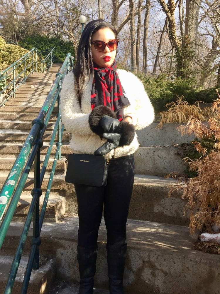 Style-with-Amanda-Forever-21-Teddy-White-Coat-Red-Lip-Print-Moschino-Scarf-Cat-Sunglasses-4